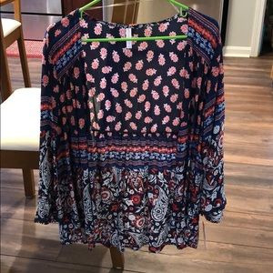 Women's shawl from target. Size Medium.